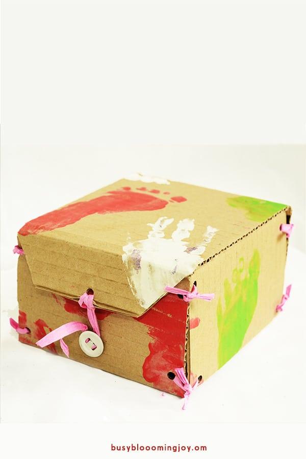 Finished hand print diy gift box