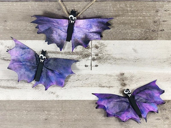 Coffee filter bat craft for Halloween