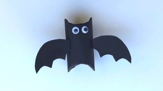 Toiler roll bat craft for toddlers