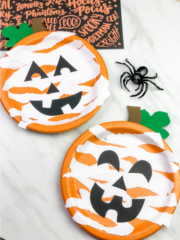 Paper plate pumpkin mummy craft for toddlers