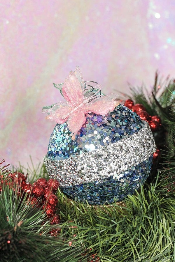 sparkly DIY Christmas tree ornament