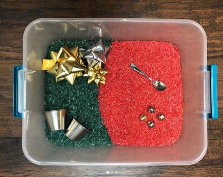 learning.under.cedar Christmas activity for toddlers