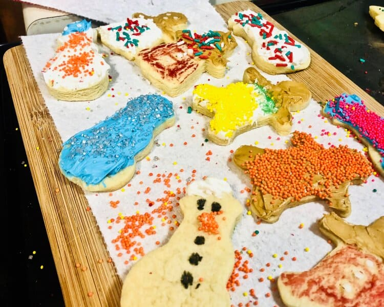 Christmas baking and cookie decorating activity for toddlers & preschoolers