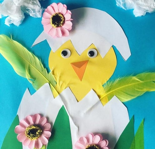 Hatching chick Easter craft from @playing.with.rainbows