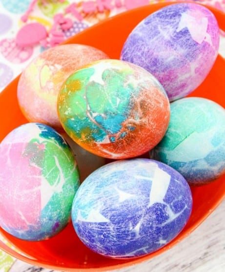 Tissue paper dyed Easter egg craft for preschoolers