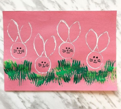 TP roll Easter bunny printed craft for toddlers from @jandjcraftlady